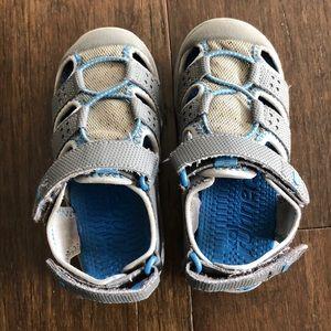 See Kai run water sandal in gray size 10
